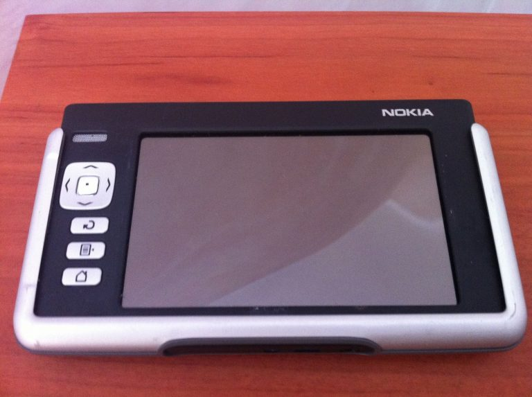 Nokia 770 Handheld PDA Review