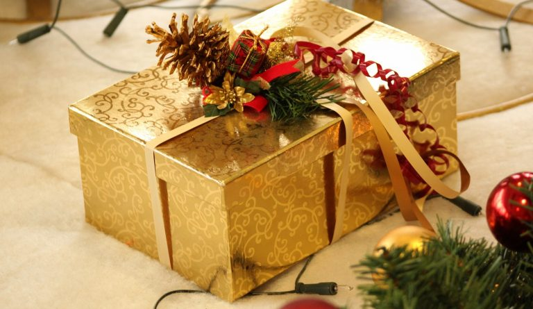 Save Money with Dollar Store Christmas Gifts